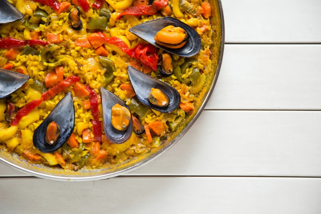 O AÇAFRÃO serve para fazer paella - prato típico espanhol.