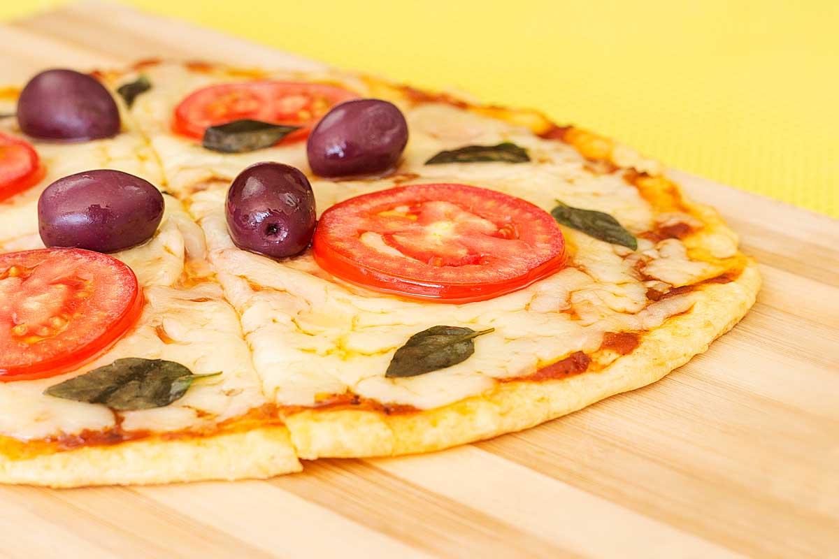 Pizza com Massa de Pão de Forma