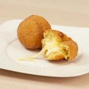 bolinha de queijo com massa de batata